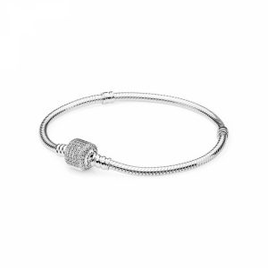 Bracciale Pandora Moments con maglia snake e chiusura con pavé scintillante Misura 19