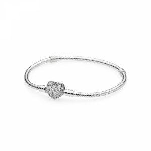 Bracciale Pandora Moments con maglia snake e chiusura a cuore scintillante Misura 19